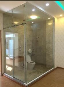 kính tắm