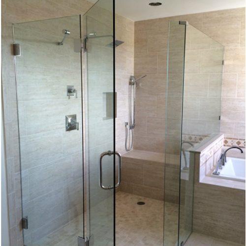 vách kính tắm tại vinh